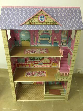 casa de muñecas de madera y adccesorios
