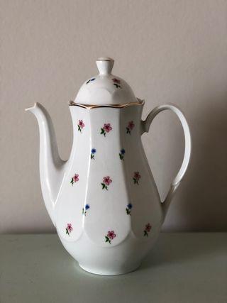 Cafetera porcelana blanca