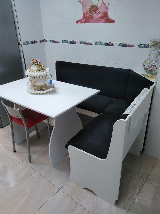 Rinconera mesa cocina de segunda mano por 90 € en Alaquas en WALLAPOP