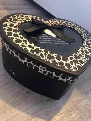 Caja corazón leopardo