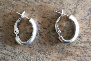 Boucle d'oreilles créoles argentées neuves