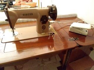 Máquina de coser eléctrica Singer Vintage