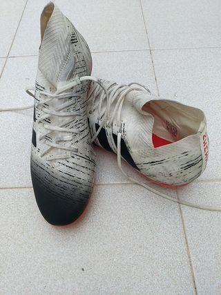 bota fútbol ADIDAS NEMEZIZ