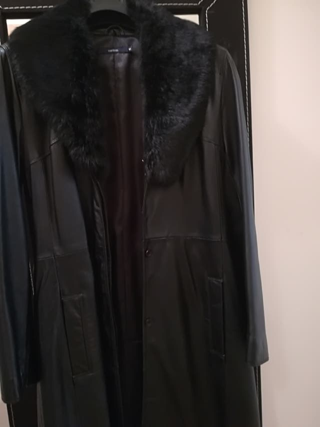 abrigo de cuero