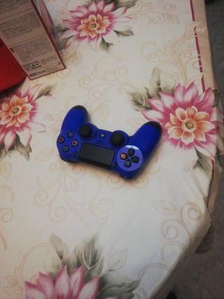 mando de ps4 azul y juego