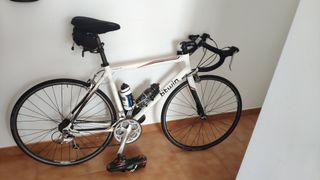 Bicicleta Carretera Triban 5 Talla 57 y Rodillo