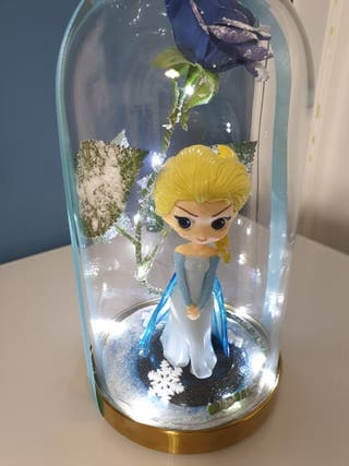 Cupula de cristal de Elsa (frozen) con LED y rosa