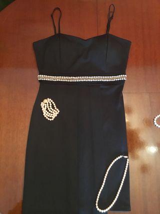 Vestido de mujer!NUEVO! Talla M,adorno en perlas.