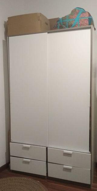 Armario puertas correderas de segunda mano en wallapop for Puertas correderas de segunda mano