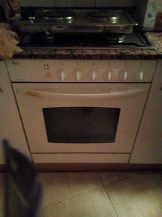 cocina encimera teka,4 fuegos mas horno electrico