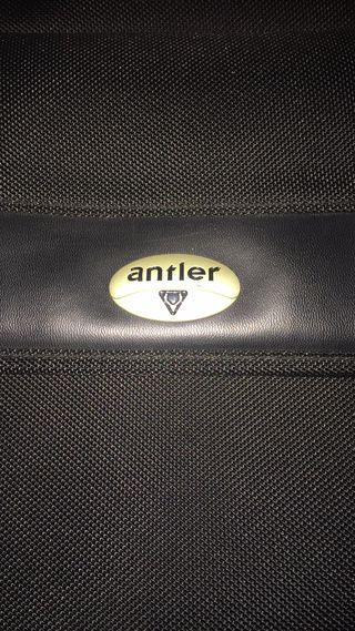 Maletin ANTLER de ordenador portatil sin uso.