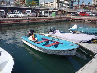 Barca de pesca de 4 metros y motor Mercury