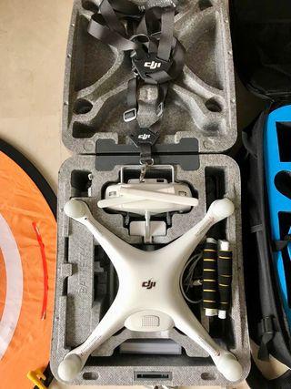 Drone DJI Phantom 4 + Mochila + Pista aterrizaje