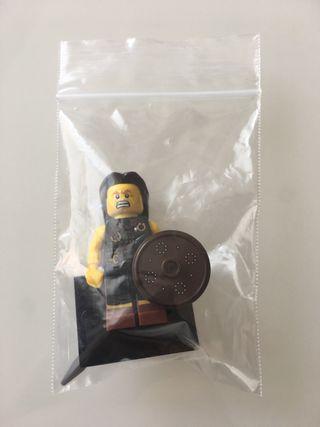 Lego Minifigura serie 6 numero 2 guerrero