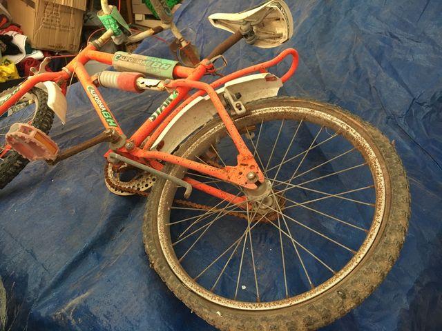 Bicicleta BMX BH California a restaurar