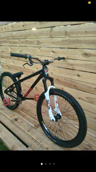 Bicicleta mtb dirt