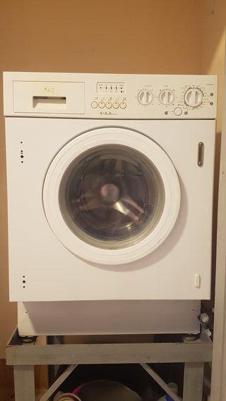 Lavadora secadora de Teka encastrable 6kg