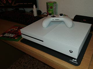 Xbox One S con Red Dead Redemption 2