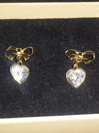 509e46e22a87 Pendientes de oro de segunda mano en Móstoles en WALLAPOP