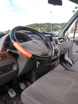 Mercedes-Benz Sprinter 2000