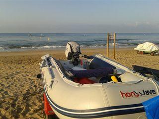 Barca neumatica con remolque