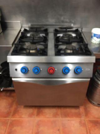 Cocina gas Hosteleria 4 fuegos + horno regulable