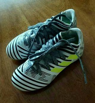 a48ed9f0455b3 Botas de fútbol Adidas Nemeziz de segunda mano en WALLAPOP