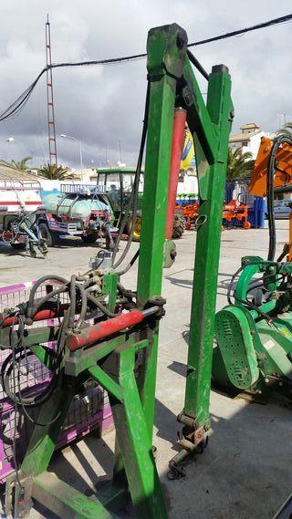 Pluma tractor