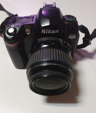 cámara Nikon D70