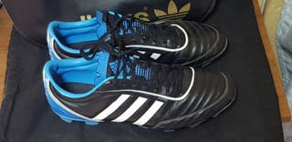 Botas de tacos de fútbol