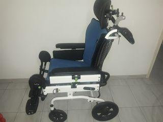 silla de ruedas basculante
