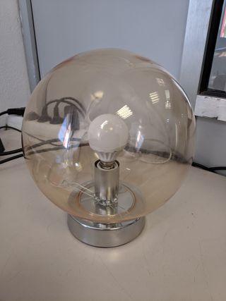 Lampara de mesa con bombilla LED
