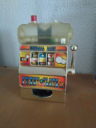 Maquina tragaperras antigua expendedora