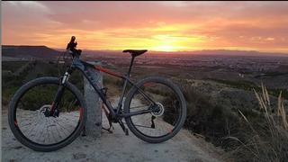 Bicicleta de montaña cube attention SL