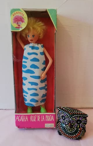 muñeca Agathita en caja
