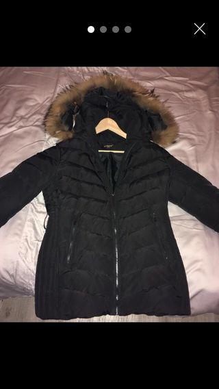 Woman's puffa with fur hood