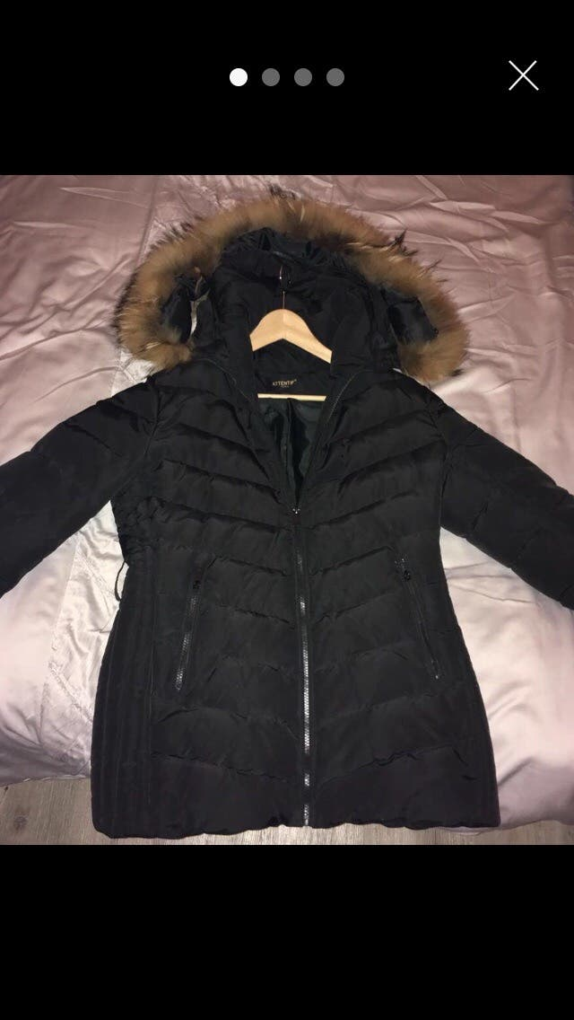 Woman's puffa with fur hood