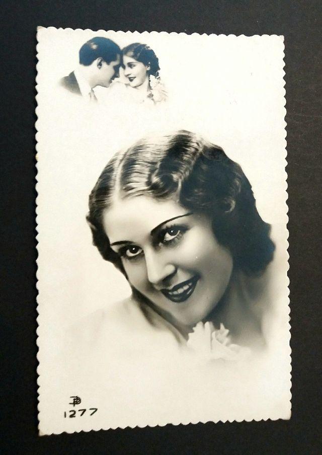 Antigua postal retrato mujer blanco y negro