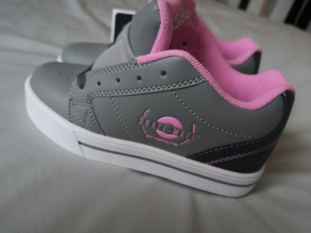 Heelys roller shoes - NEW