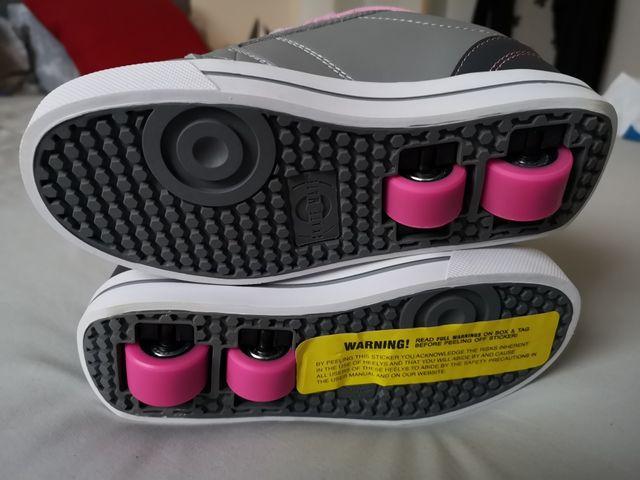 Heelys roller shoes - NEW