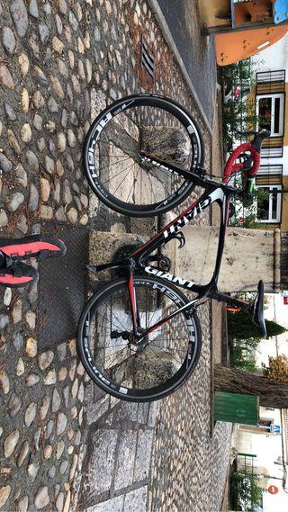 Bicicleta de carbono de carretera GIANT TCR