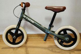 Bicicleta infantil sin pedales B-Twin