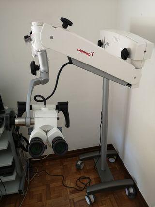 Microscopio consulta médica