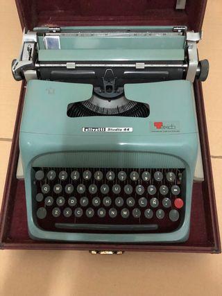 Máquina de escribir OLIVETTI STUDIO 44