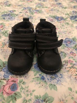 Zapatos bota de bebe