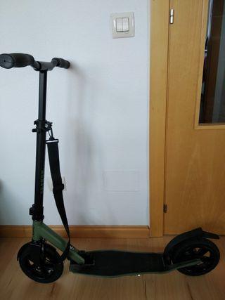 Patinete Frenzy de ruedas neumáticas
