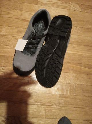0f9c81a3 Zapatos de seguridad de segunda mano en León en WALLAPOP
