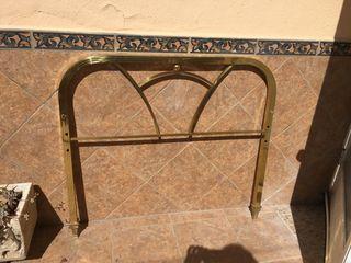 Cabecero dorado cama 105