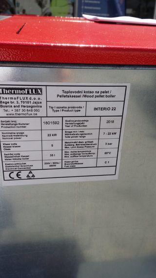 Estufa de pellets de segunda mano en wallapop for Estufas de pellets para radiadores baratas