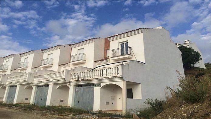 Piso en venta en Alozaina (Alozaina, Málaga)